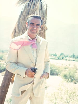 Sean Connery outside the house - Diamonds Are Forever 1971 - Filmed inside at the Elrod house - Bond fights the bodyguards Bambi and Thumper, forcing them to tell him where Willard Whyte is.