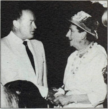Social lioness Pearl straight-talking Bob Hope at the Tennis Club in 1961.