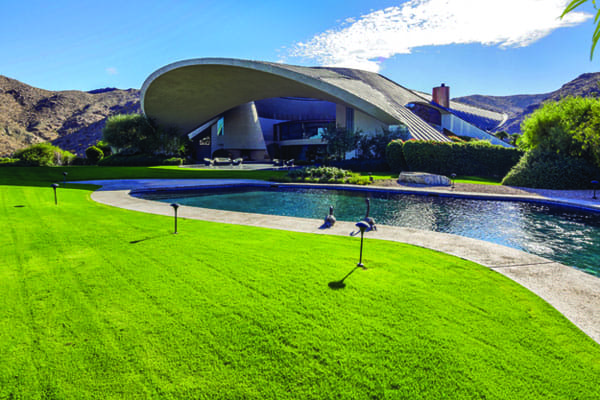 The entertainer's Southridge house — a Palm Springs landmark — is for sale for the first time.