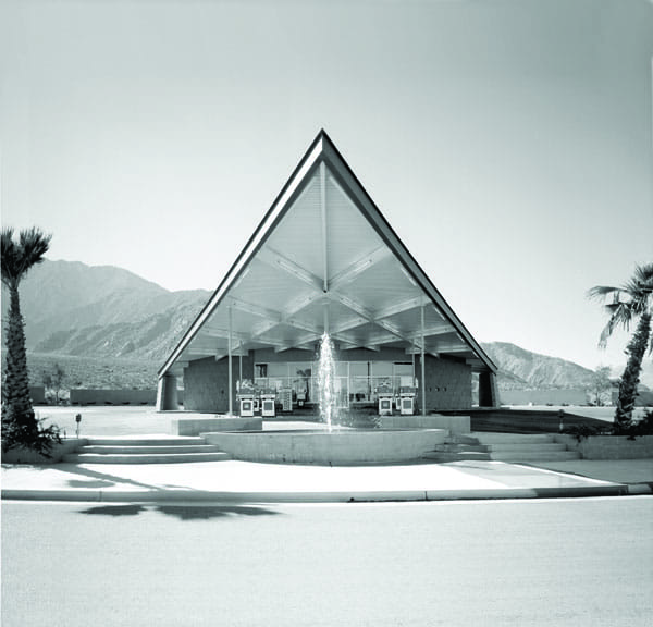"""Can't wait for Palm Springs Modernism Week next February? Clear your calendar on Columbus Day weekend (Oct. 11-14) for a series of kick-off events, including architecture tours, a retro """"yard"""" sale, a cocktail party, and double-decker bus tours."""