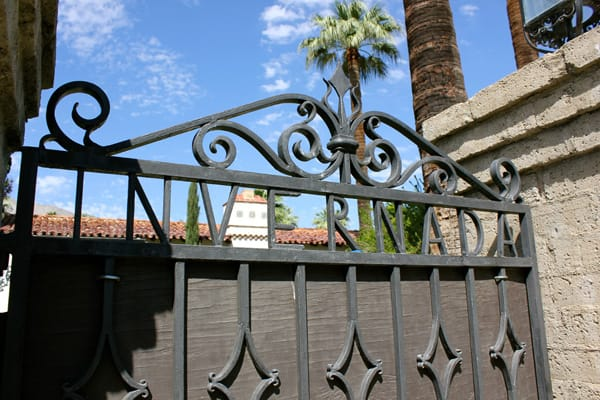 Palm Springs Historical Society Tours 'Frank Sinatra Neighborhood'