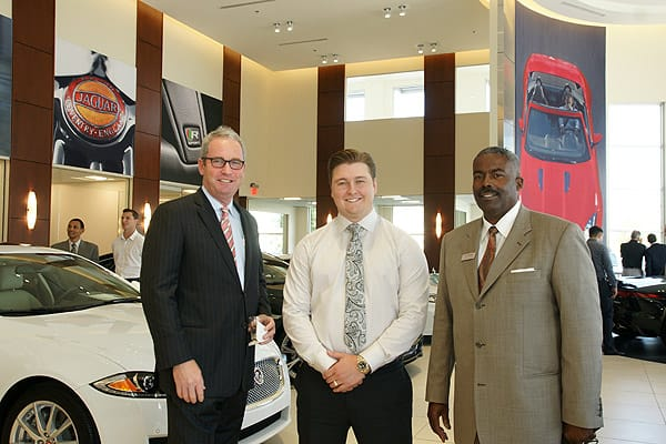 indiGO Auto Group Opens New Showroom - Sep. 2, 2015