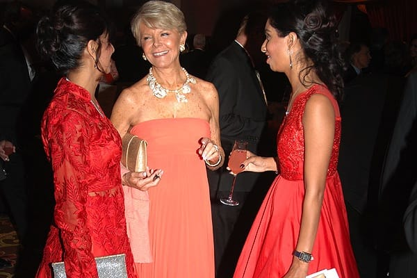 "United Way's 27th Annual VIP Gala presents ""Paris en Rouge"""