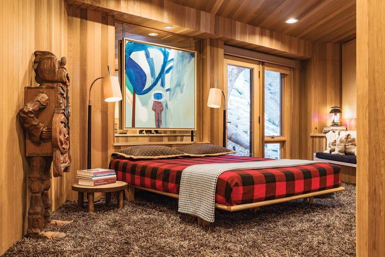 cabinmasterbedroom