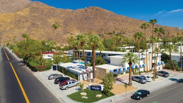 holidayhousepalmsprings