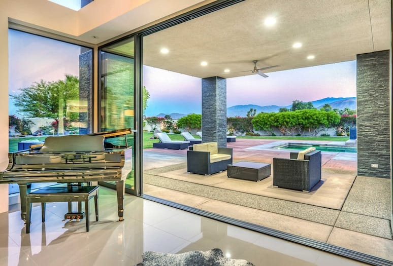 homes with views palm springs