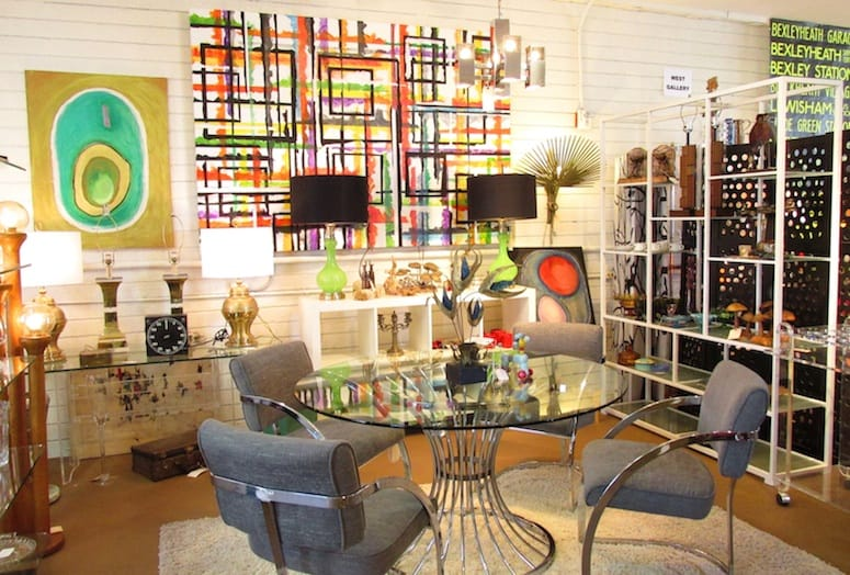 A Colorful Canvas By Local Artist Samuel Fleming Lewis Pairs Well With This Casual Dining Set Up At Antiques Galleries Of Palm Springs