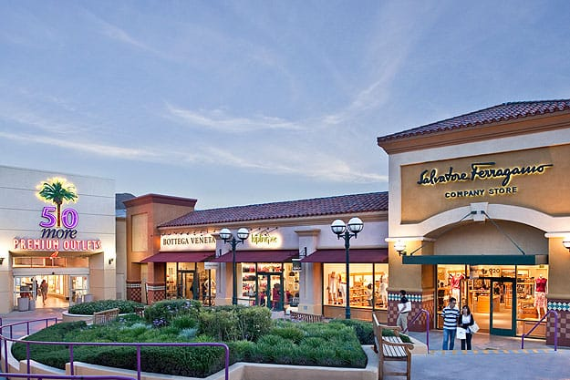 b8549f26a Palm Springs Shopping Areas - Outlet Malls