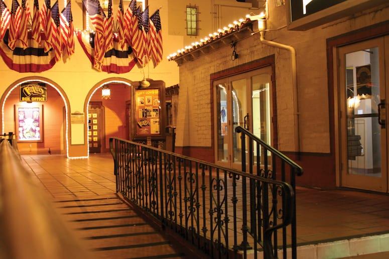 historic plaza theatre palm springs