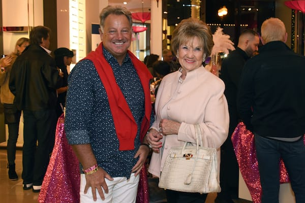 Holiday Festivities Decorate A Miracle on El Paseo
